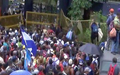 POTUS Threatens To Shut Entire Southern Border, Liberals Go Psycho