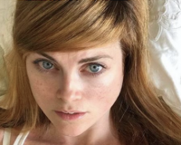 SNL Writer Sarah Beattie Offers BJ To Anyone Punching Covington Student