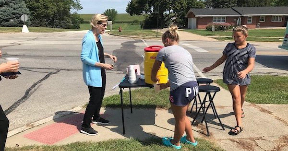 Elizabeth Warren lemonade stand