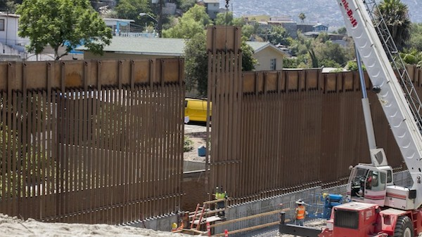 Trump border wall working