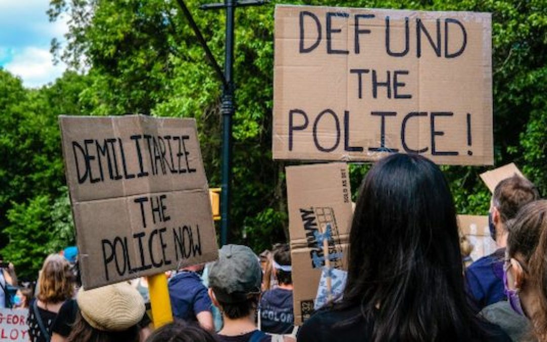 Dozens Of Cops Quit Seattle PD As City Council 'Defunds Police'
