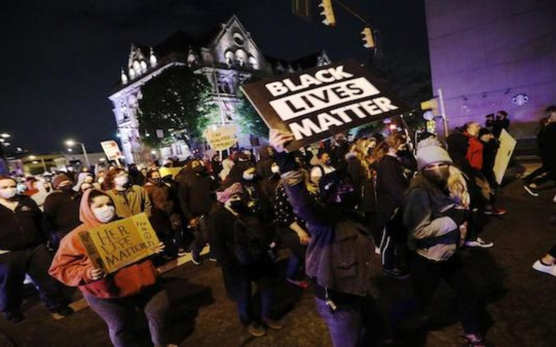 BLM Terrorists Advocate Murdering Police Officers (Video)